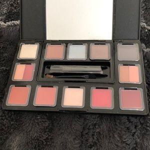 Me makeup palette